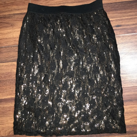 Forever 21 Dresses & Skirts - Mid length sequence skirt